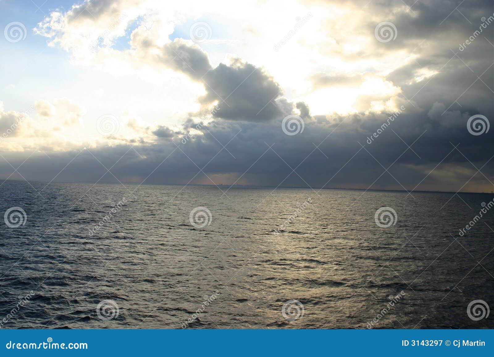 Tempesta in mare