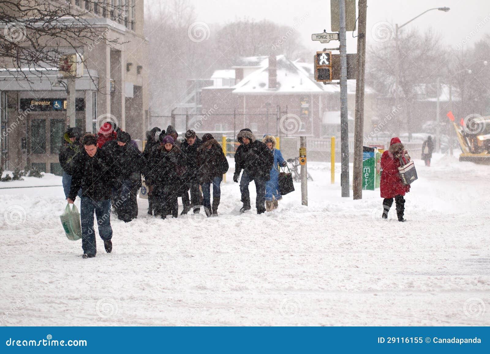 A tempestade do inverno bate Toronto