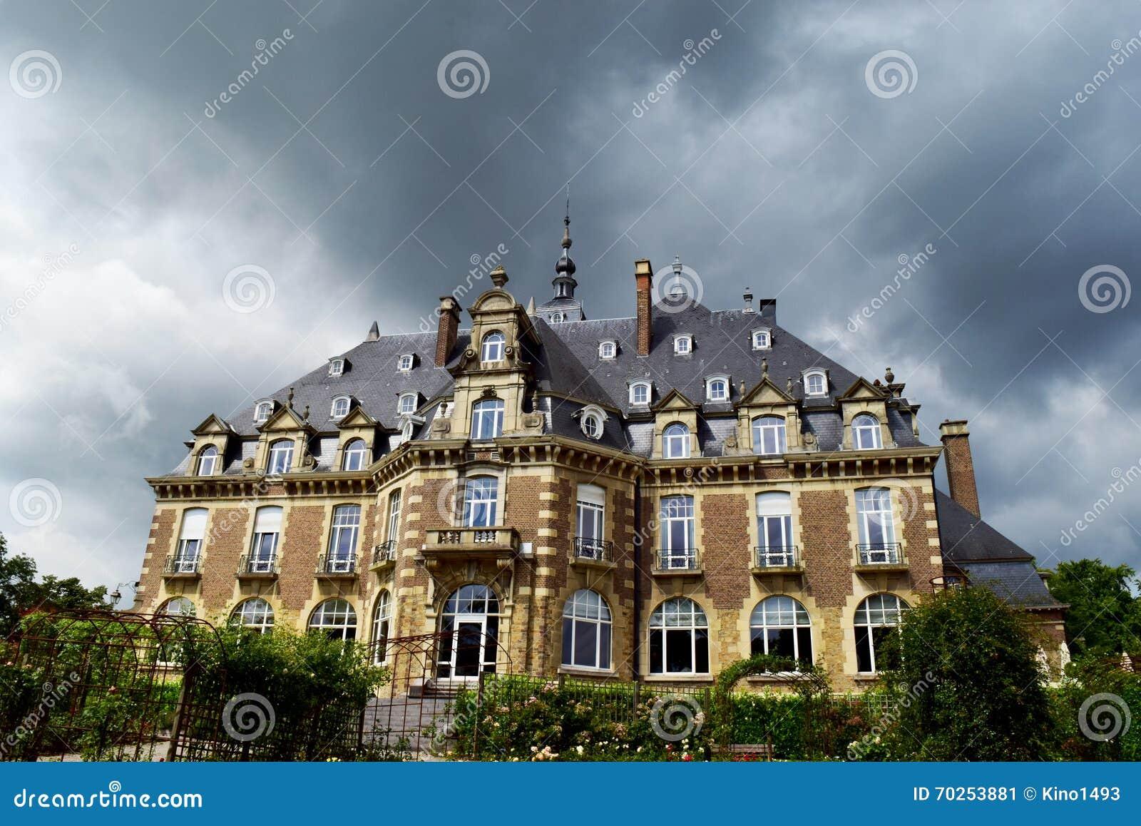 Tempestade em uma mansão
