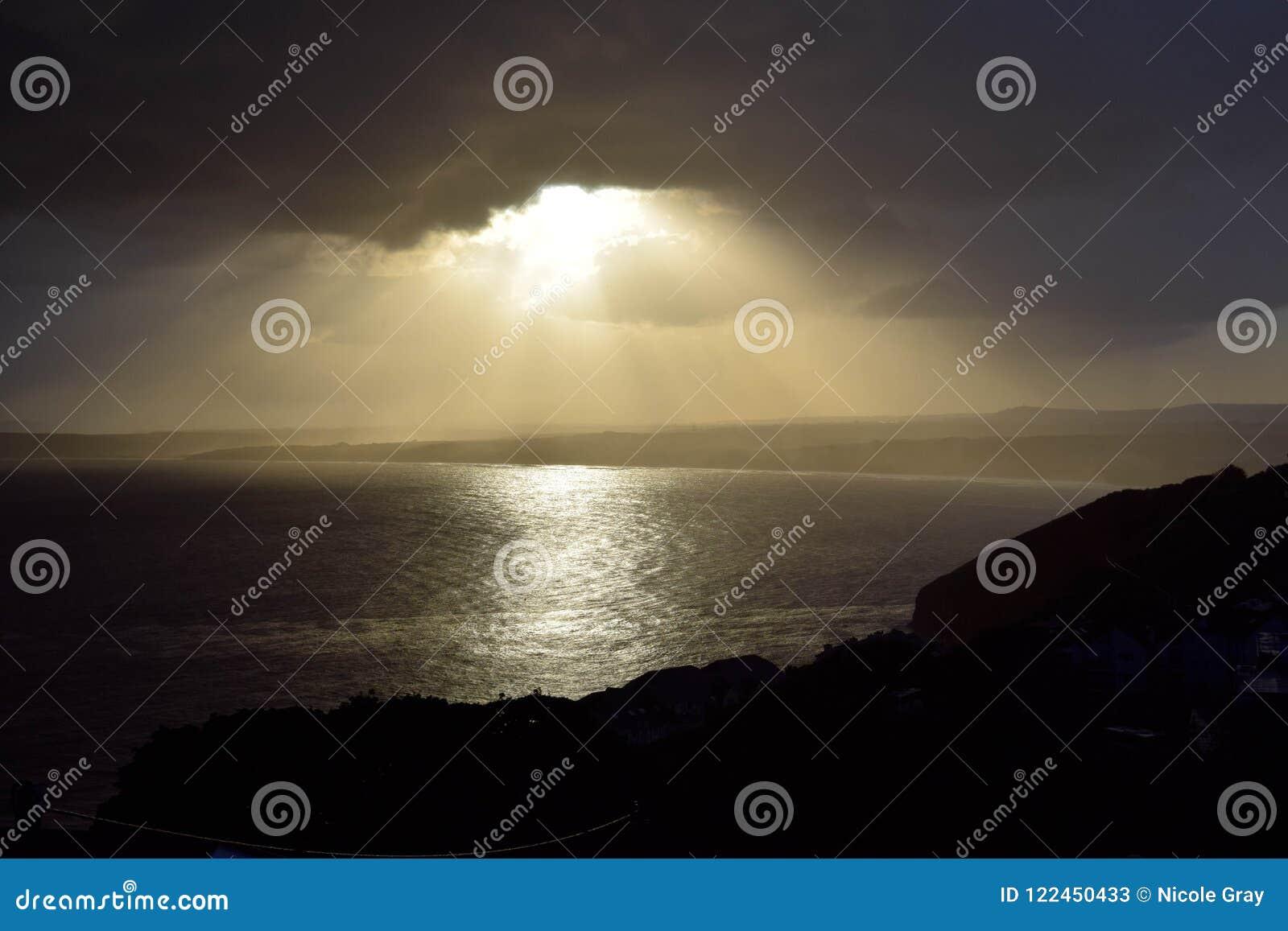 Tempestade sobre a baía