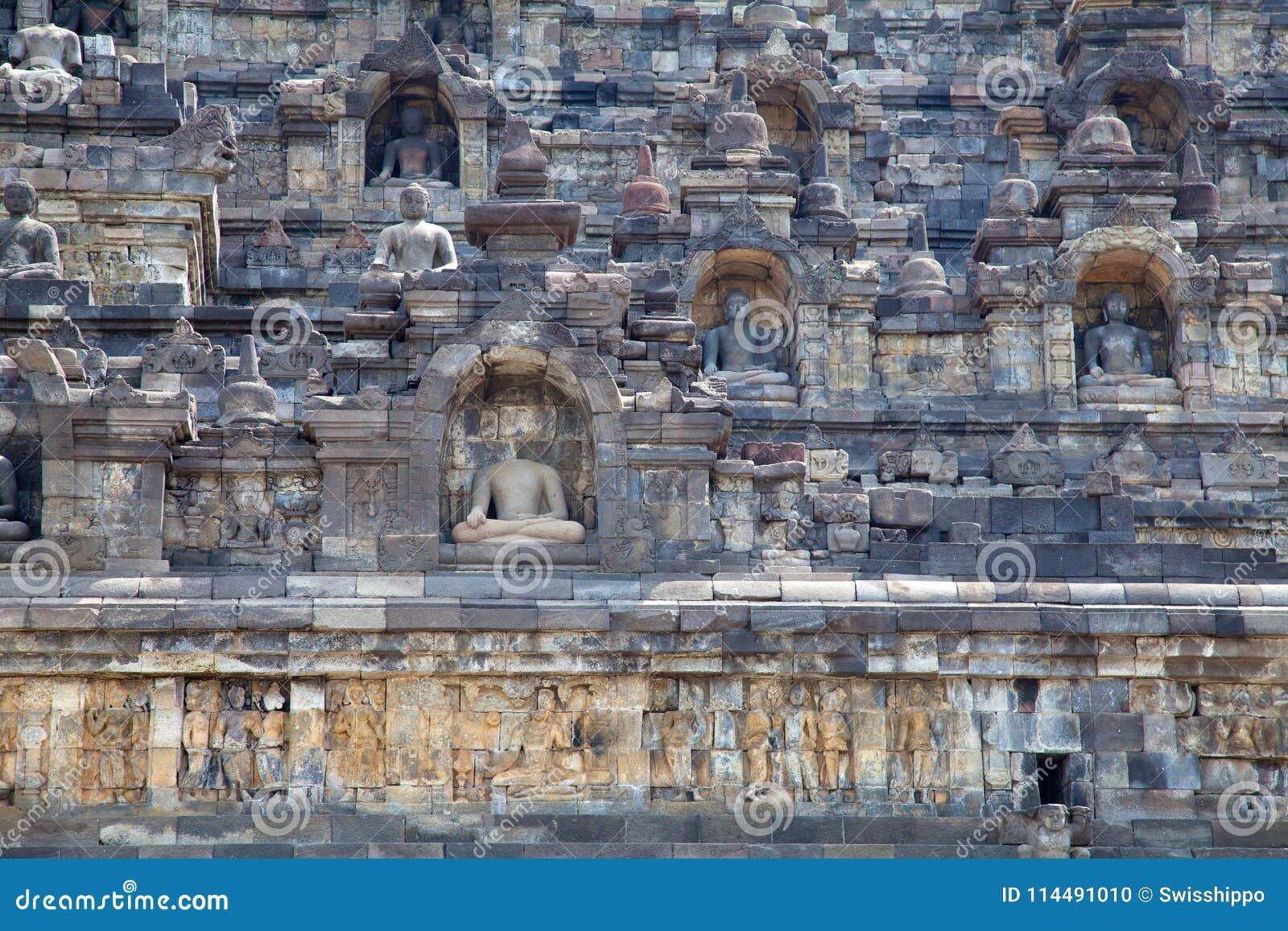 Tempiale di Borobudur in Indonesia