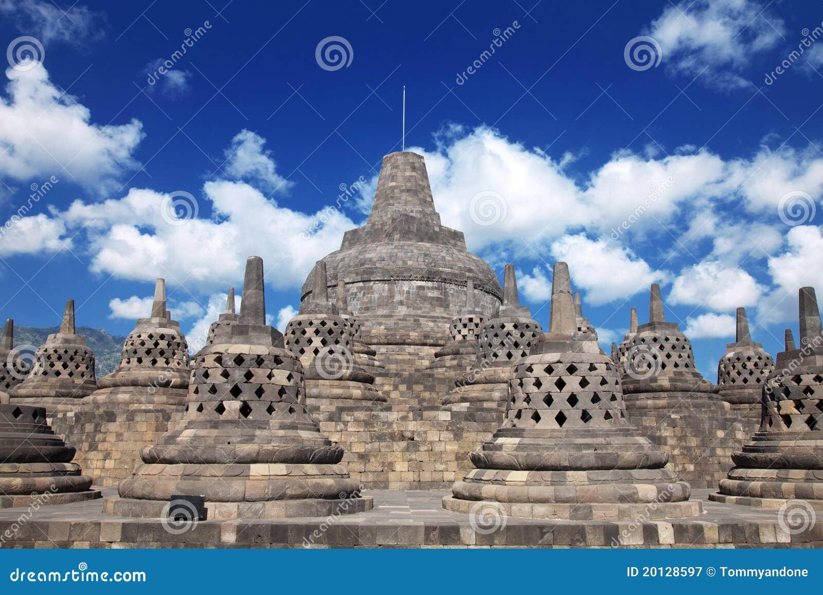 Tempiale Indonesia di Borobudur