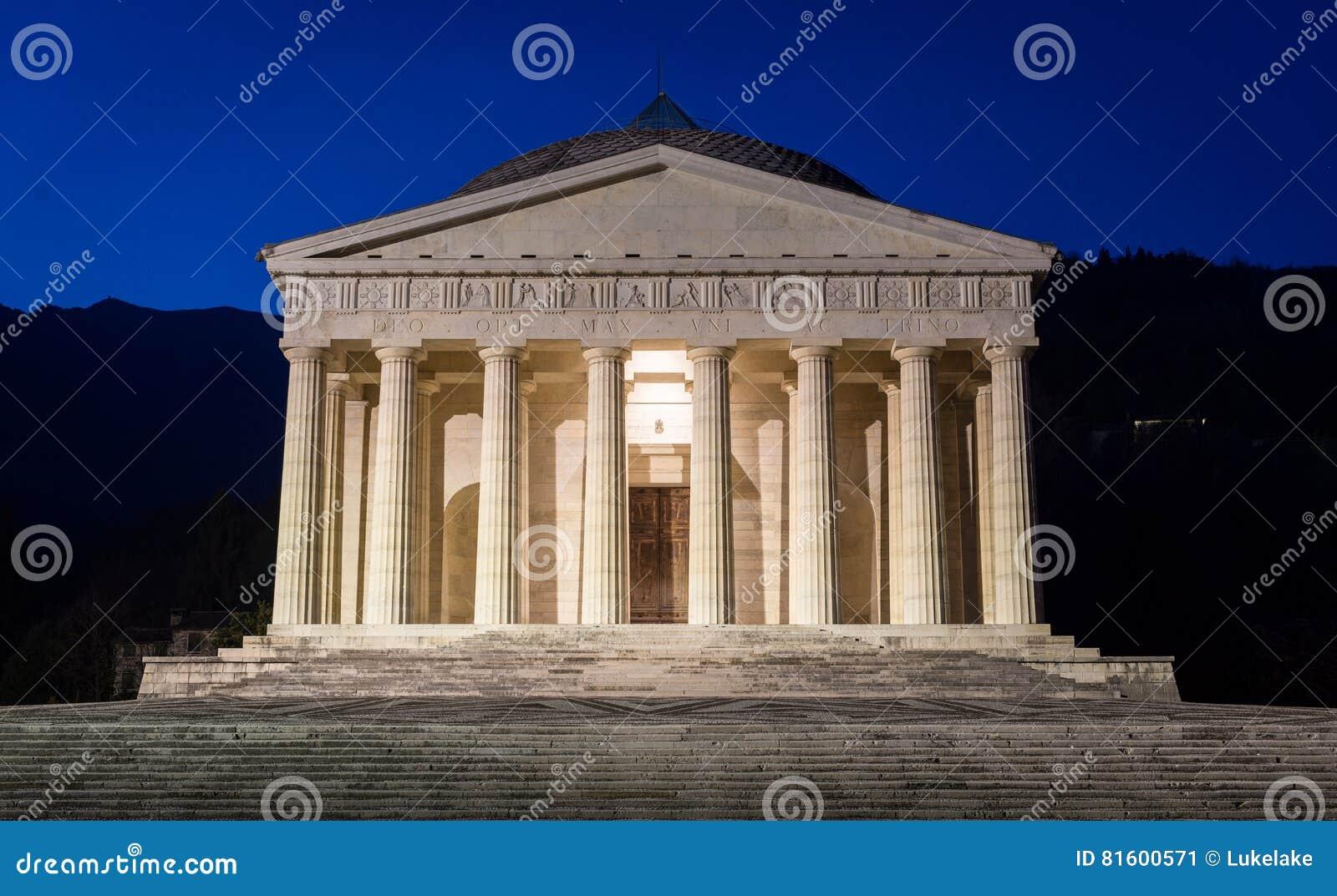 Tempio cristiano da antonio canova architettura religiosa for Architettura razionalista in italia