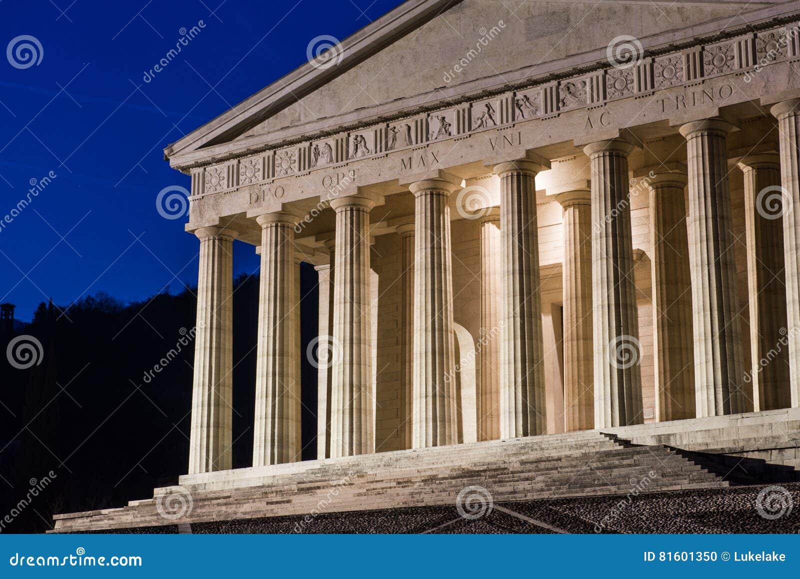 Tempio cristiano da antonio canova architettura religiosa for Esterno pantheon