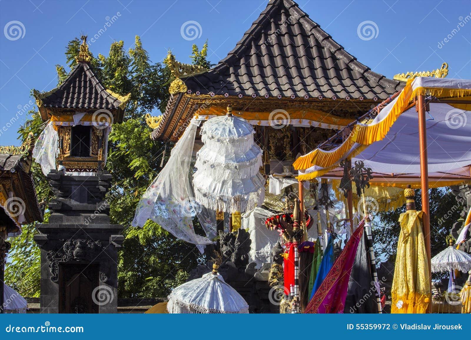 Tempio indù festivo decorato, Nusa Penida, Indonesia