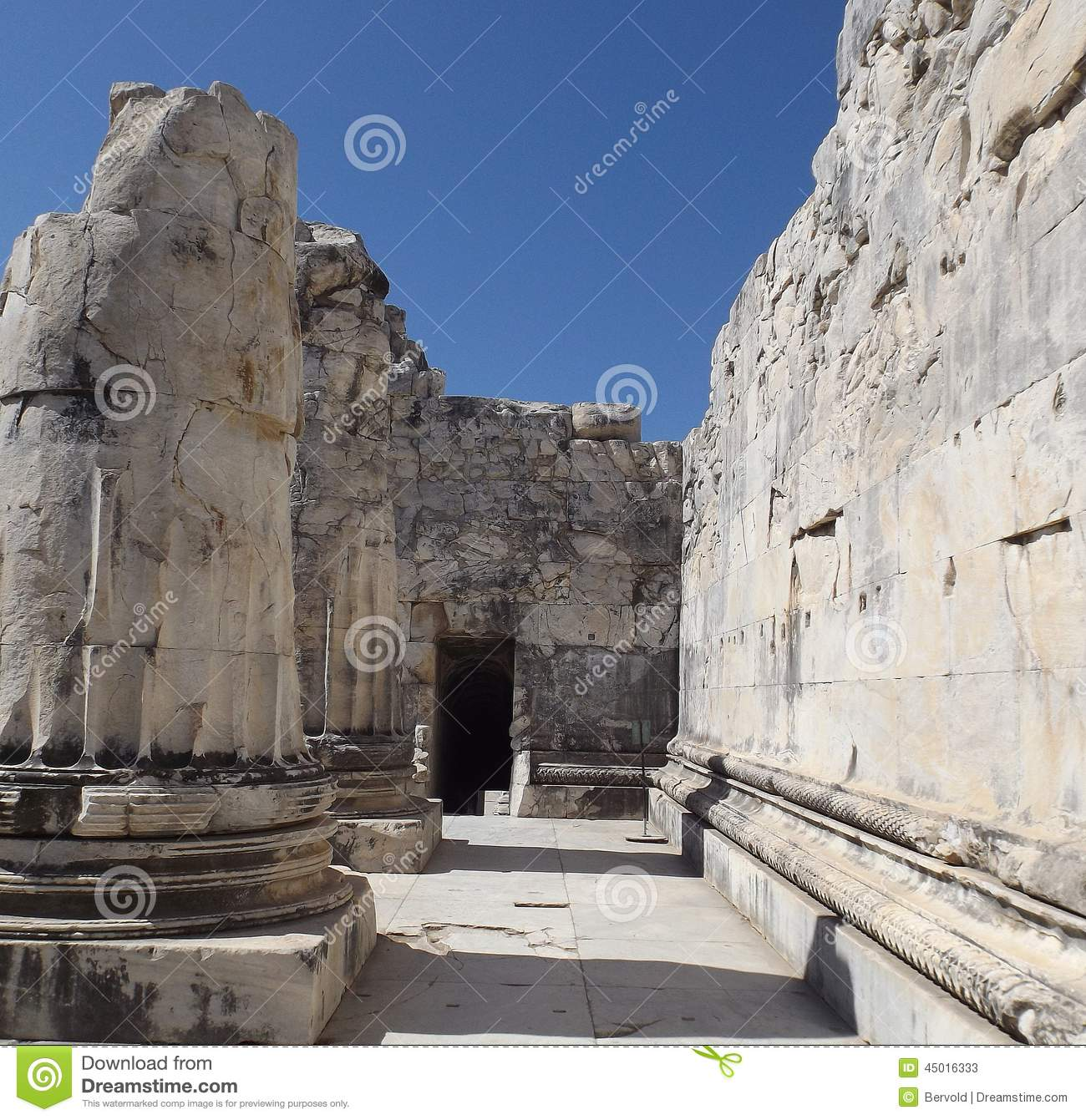 Temple Of Apollo Didim Stock Photo - Image: 45016333