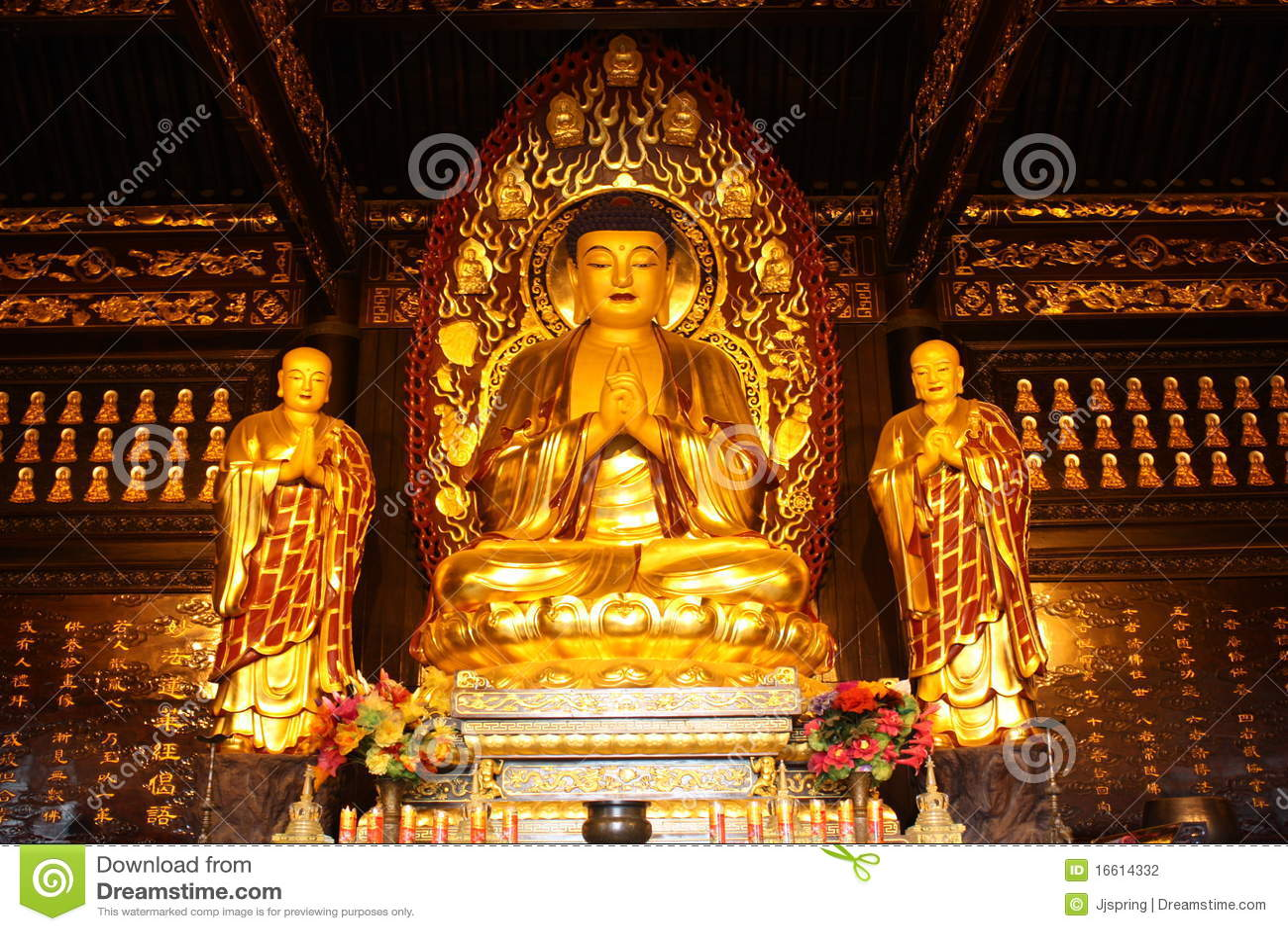 temple bouddhiste statue d 39 or de bouddha photo stock image du asie forme 16614332. Black Bedroom Furniture Sets. Home Design Ideas