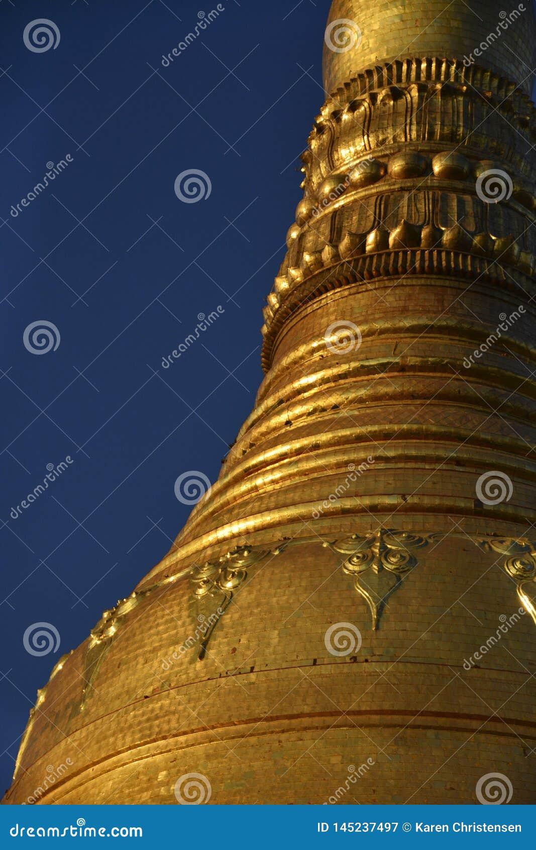 Temple d or au coucher du soleil