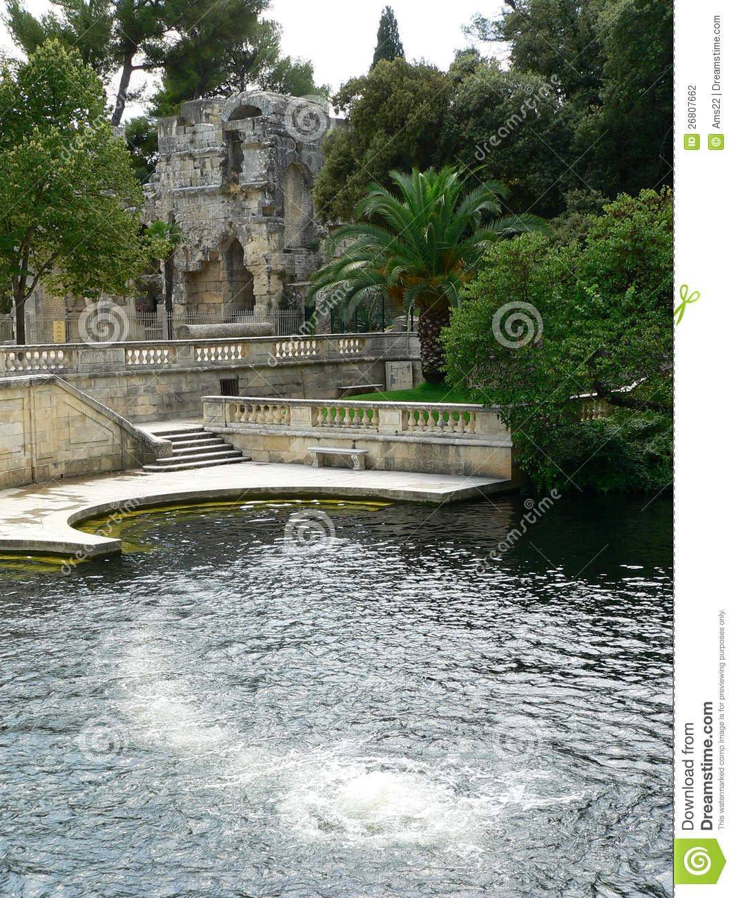 Fontaine nimes france stock photo 53782920 - Jardin des fontaines nimes ...