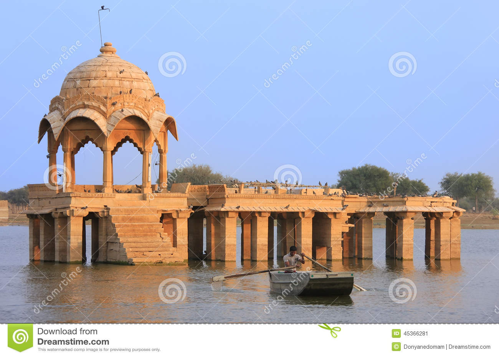 Temple de Gadi Sagar au lac Gadisar, Jaisalmer, Inde