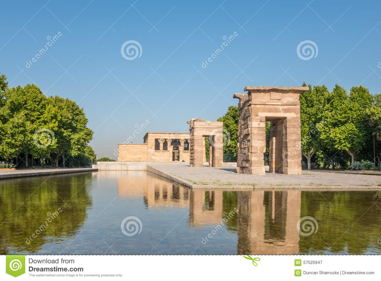 Temple of debod parque del oeste madrid spain stock for Parques de madrid espana