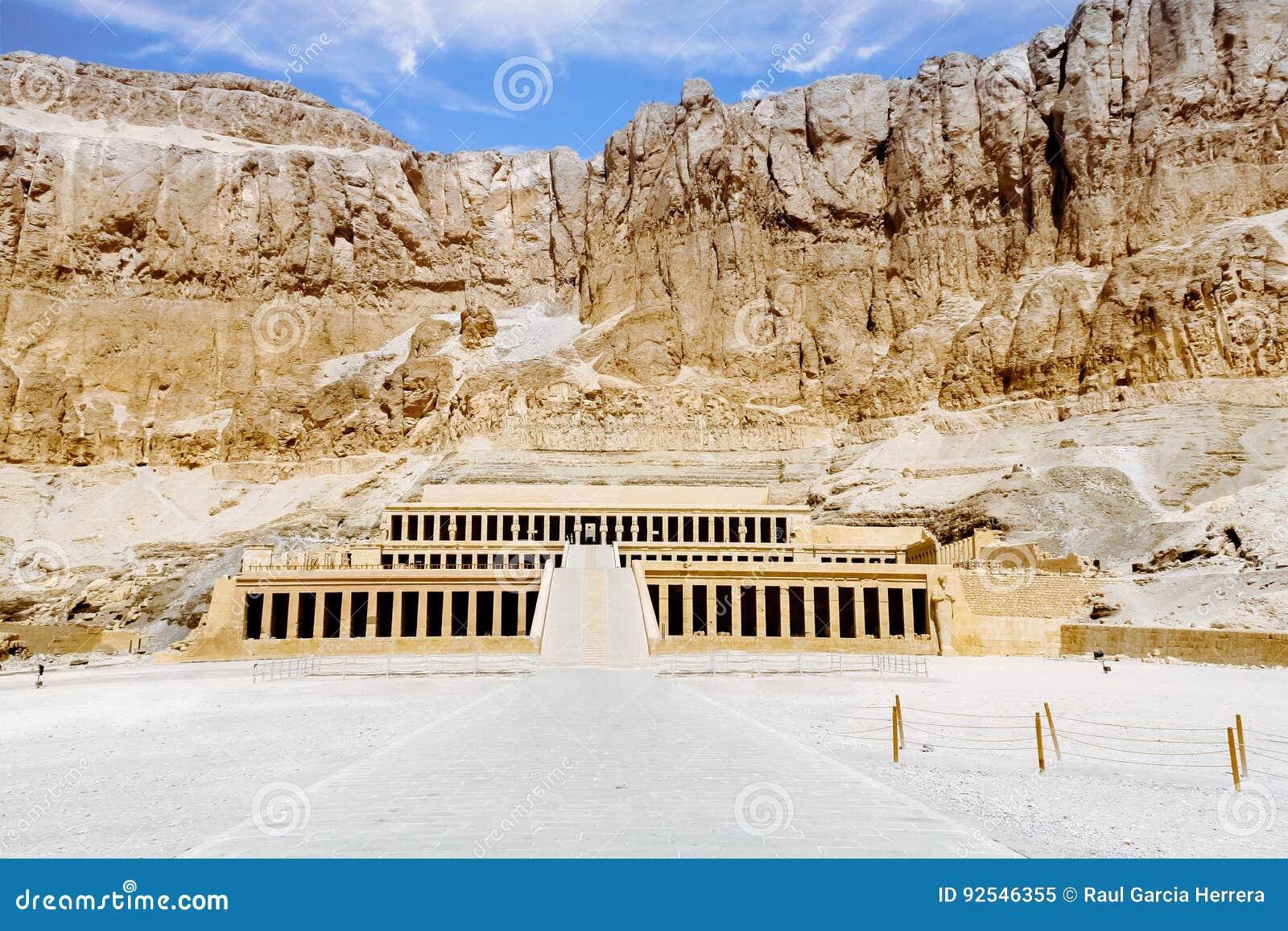 Temple mortuaire de la Reine Hatshepsut Luxor, Egypte
