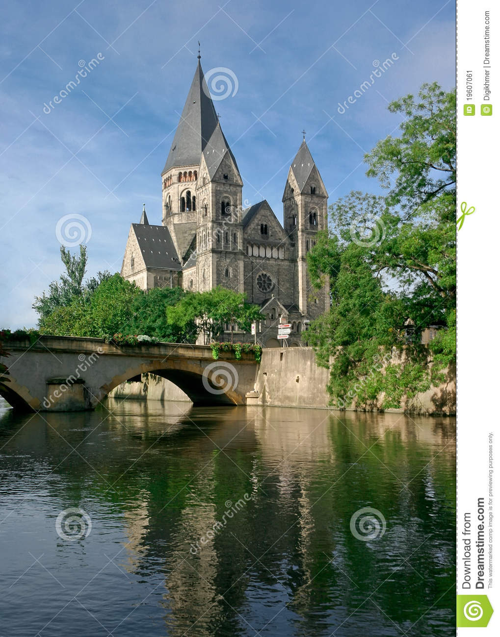 Temple neuf at metz france stock image image 19607061 for Exclusive metz