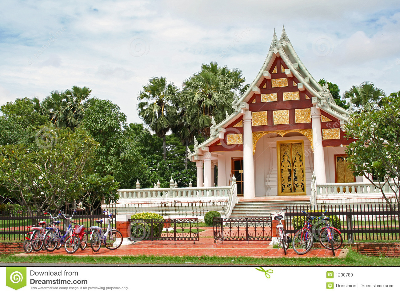 row of bicycles temple parking Sukhothai thailand