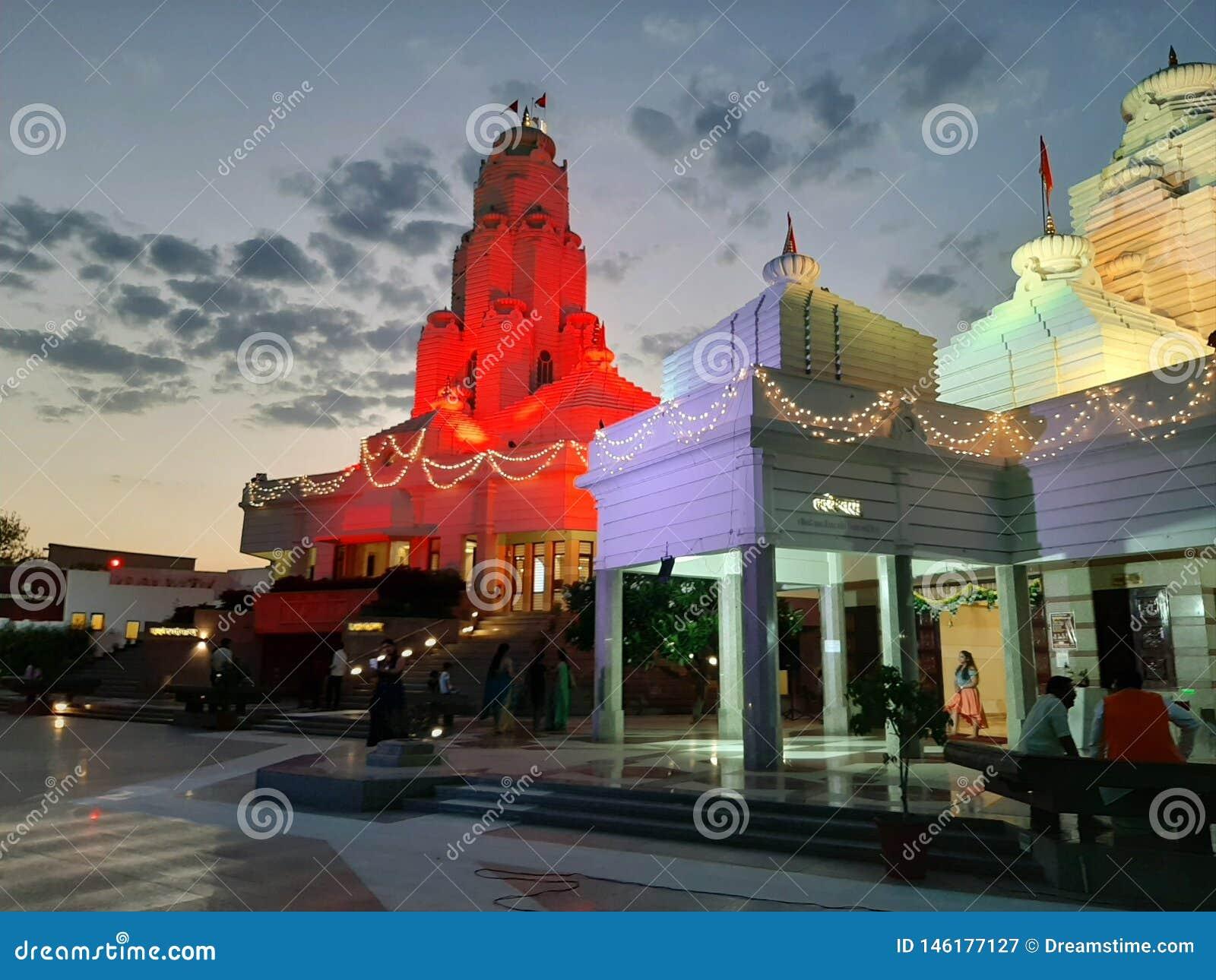 Temple& x27; s bhopal avond vreedzame god