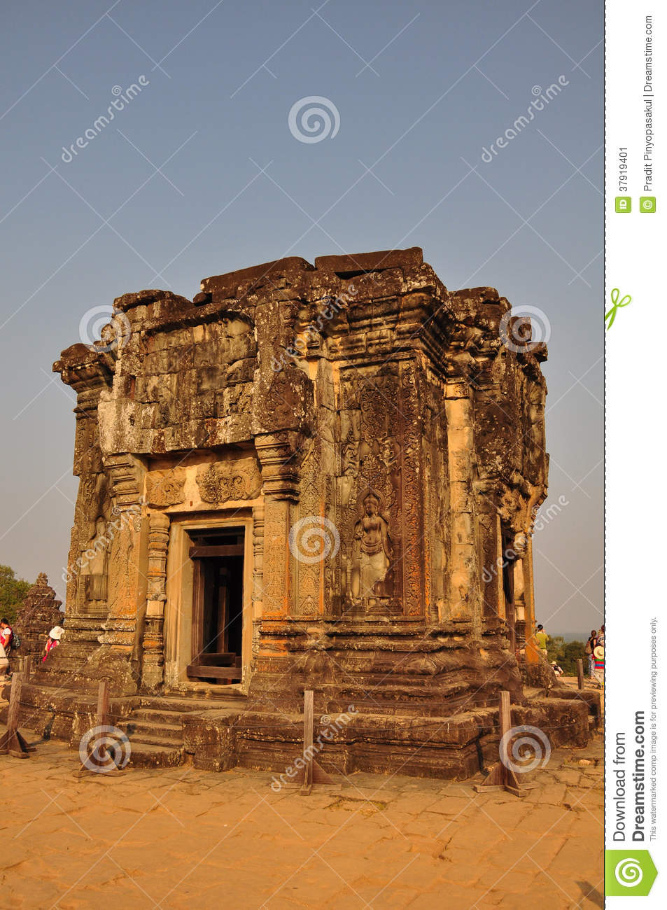 Best Places to Visit in Siem Reap Cambodia  |Phnom Bakheng Temple