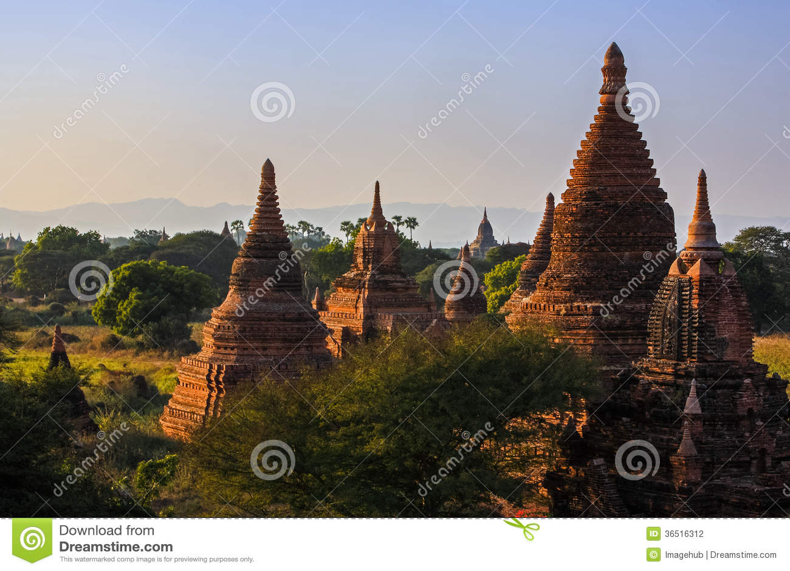 Temples et stupas, Bagan, Myanmar.