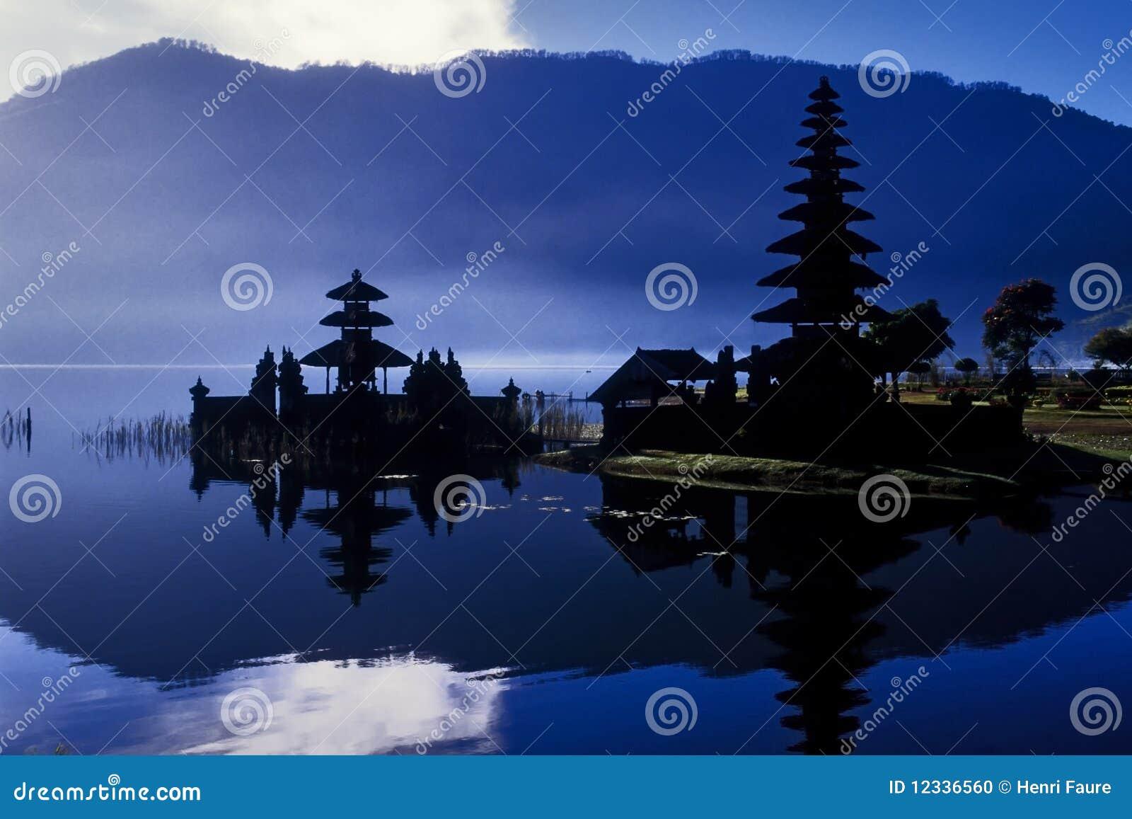 Templo à deusa da água. Indonésia