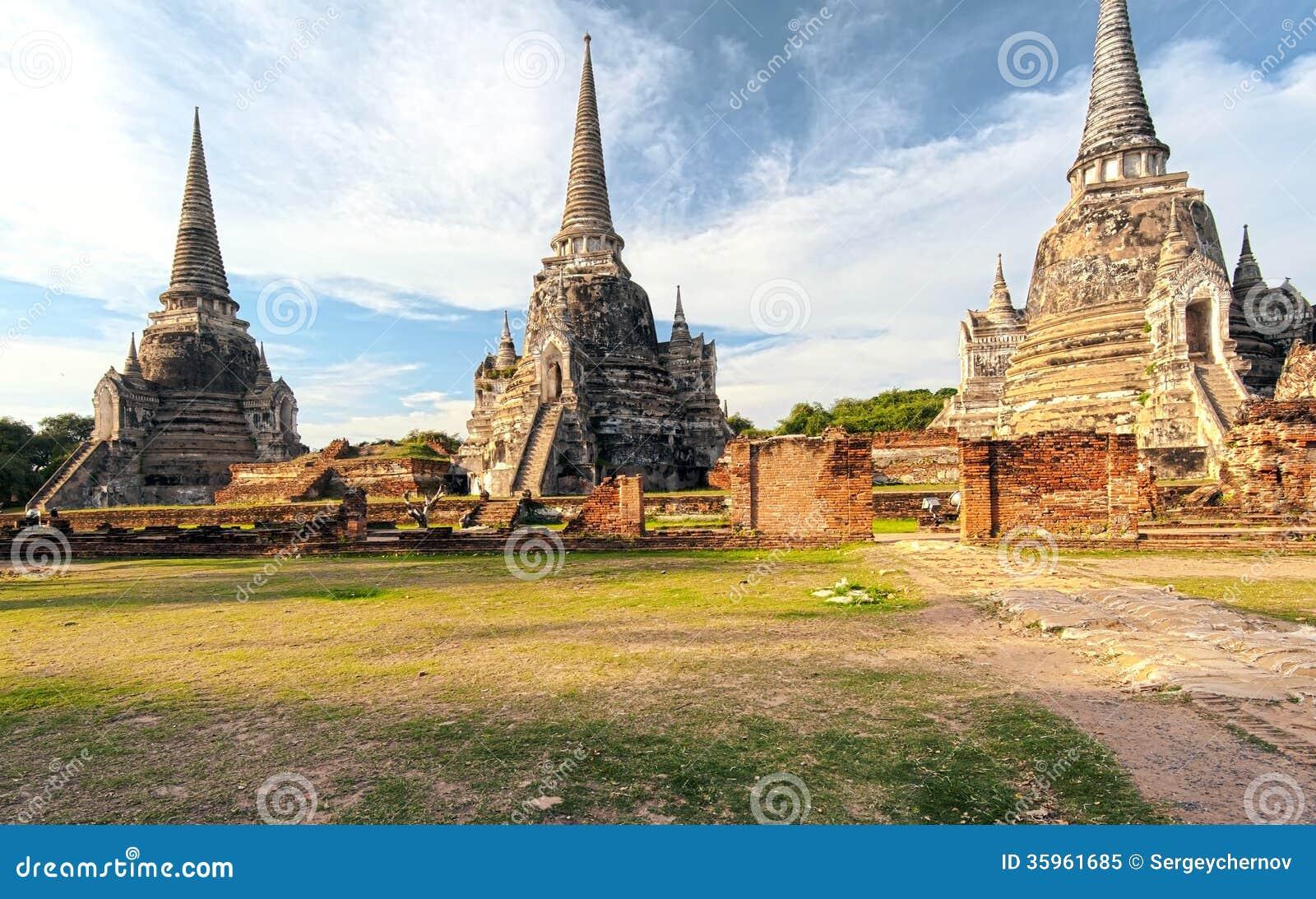 Templo antiguo en Ayutthaya Tailandia, saphet del si del phra del wat