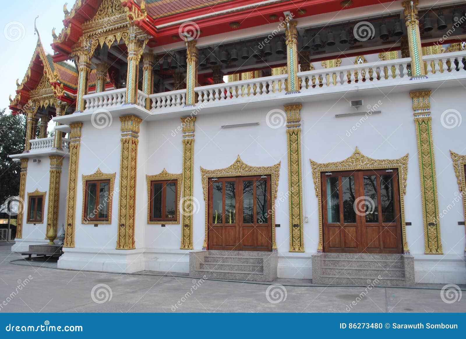 Templo constructivo budista de Wat Buakwan de la arquitectura hermosa en Bangkok Tailandia