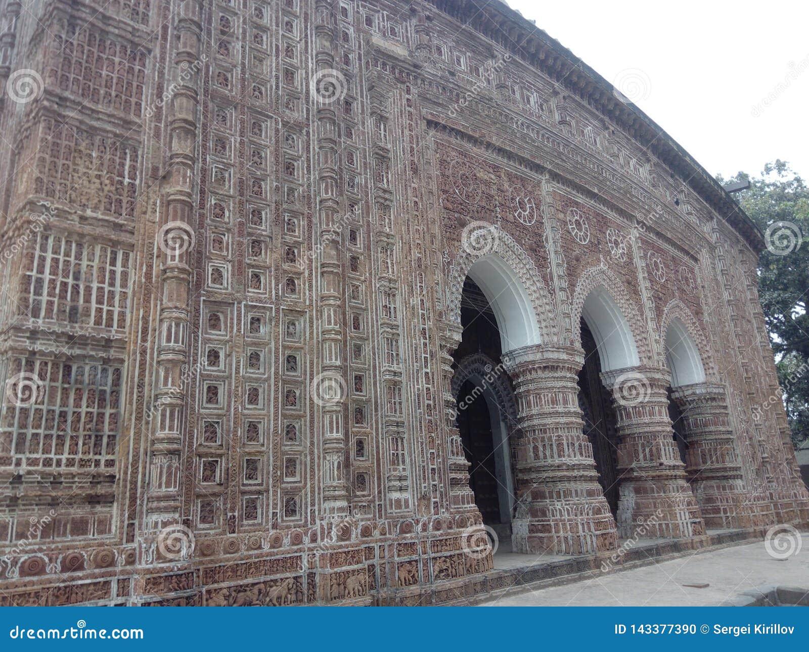 Templo de Kantanagar com século XVIII Bangladesh do projeto da terracota