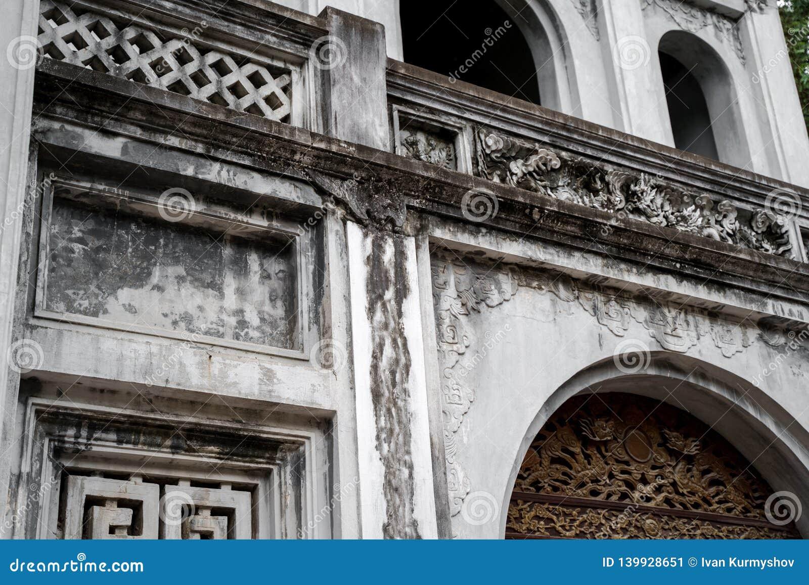 Templo de la literatura en la ciudad de Hanoi, Vietnam