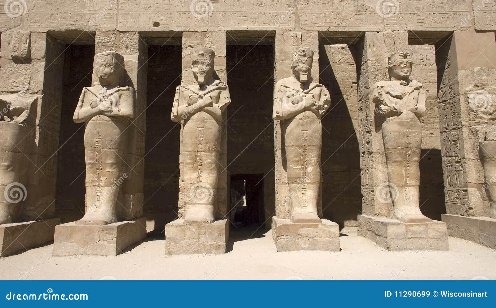 Templo de las estatuas de Karnak de Egipto antiguo