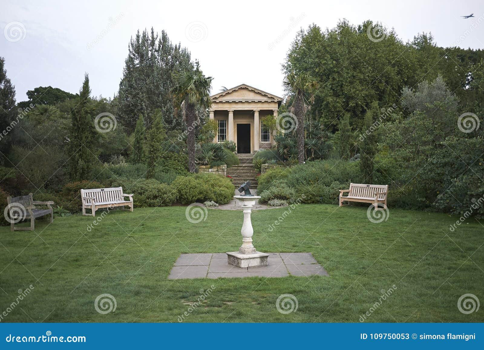Templo de los jardines de Kew