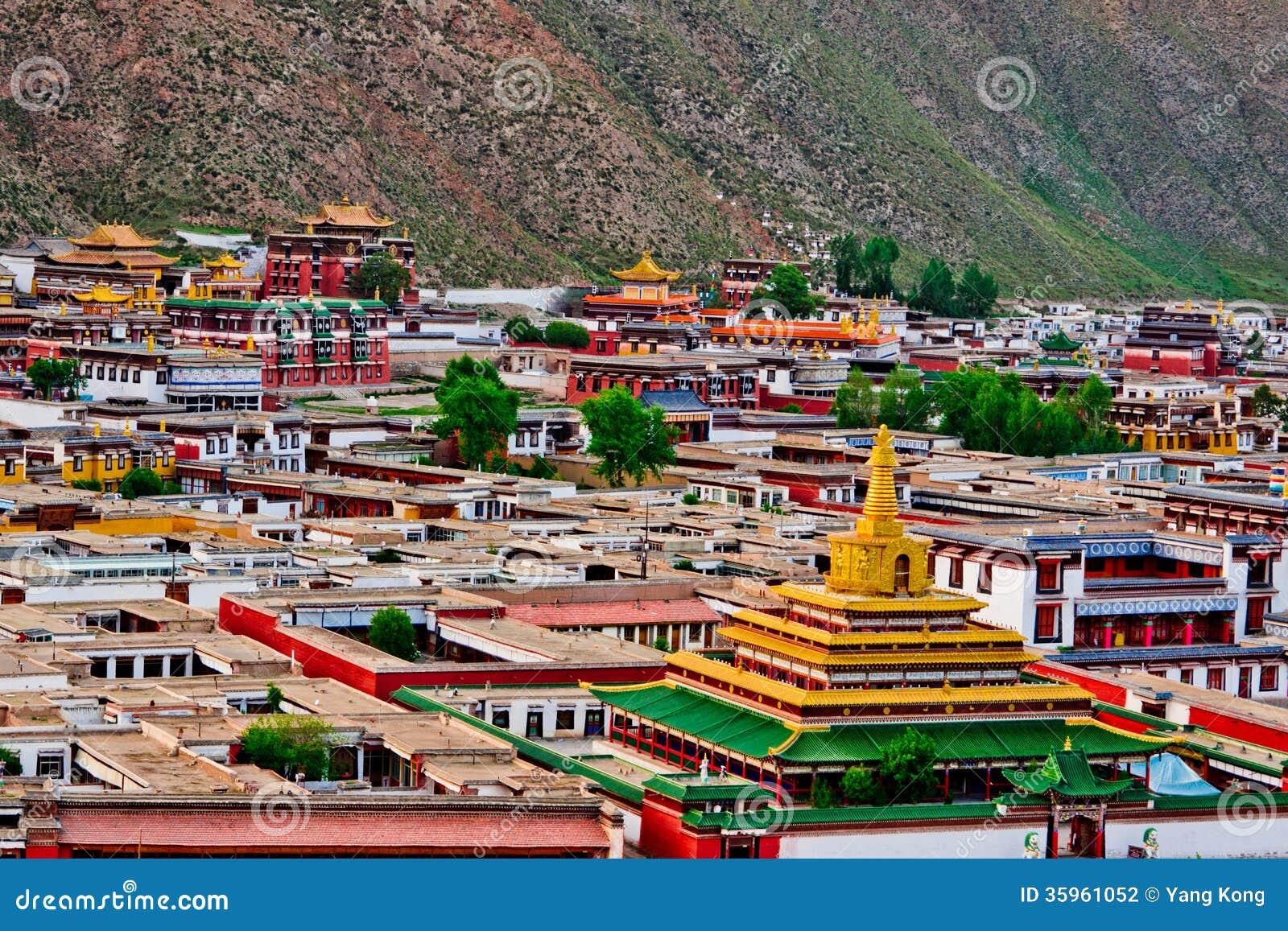Templo del tibetano del lamasery de Labrang