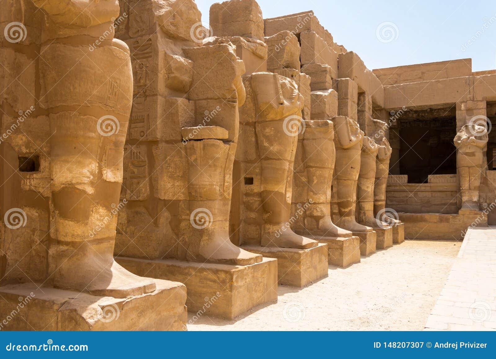 Templo do 3th de Ramses - a cidade antiga de Thebes, Karnak, Luxor, Egito