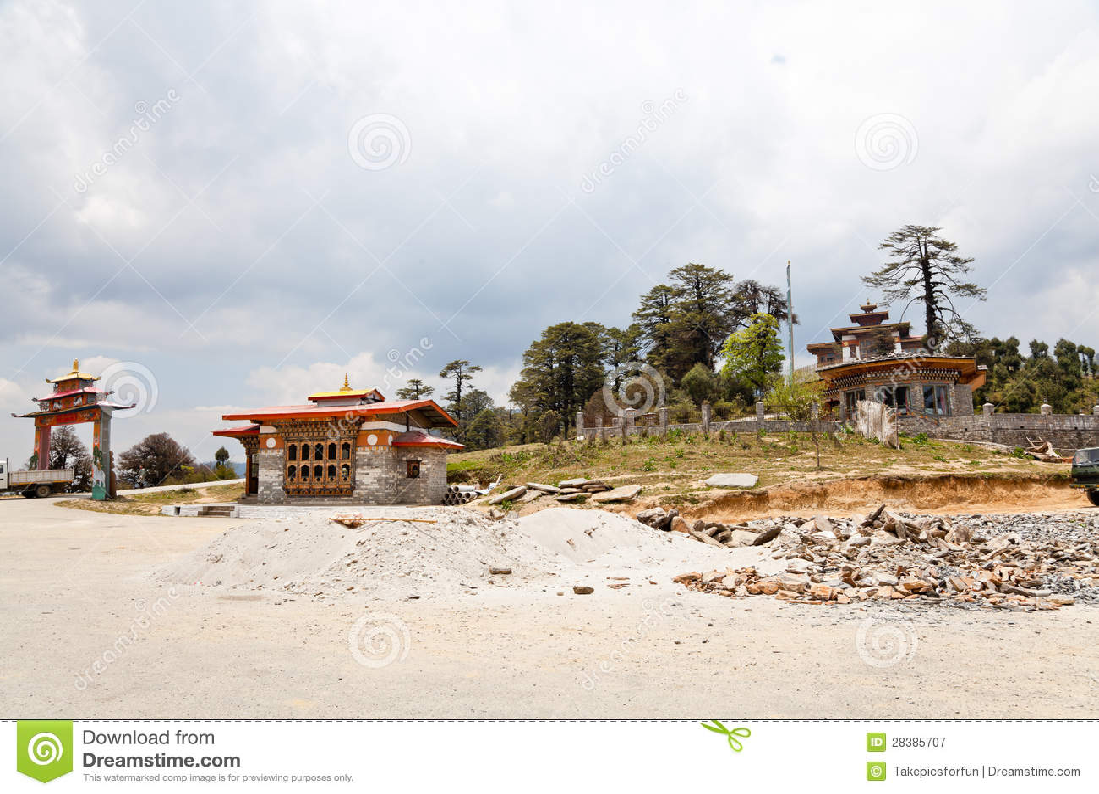 Templo na passagem do dochula