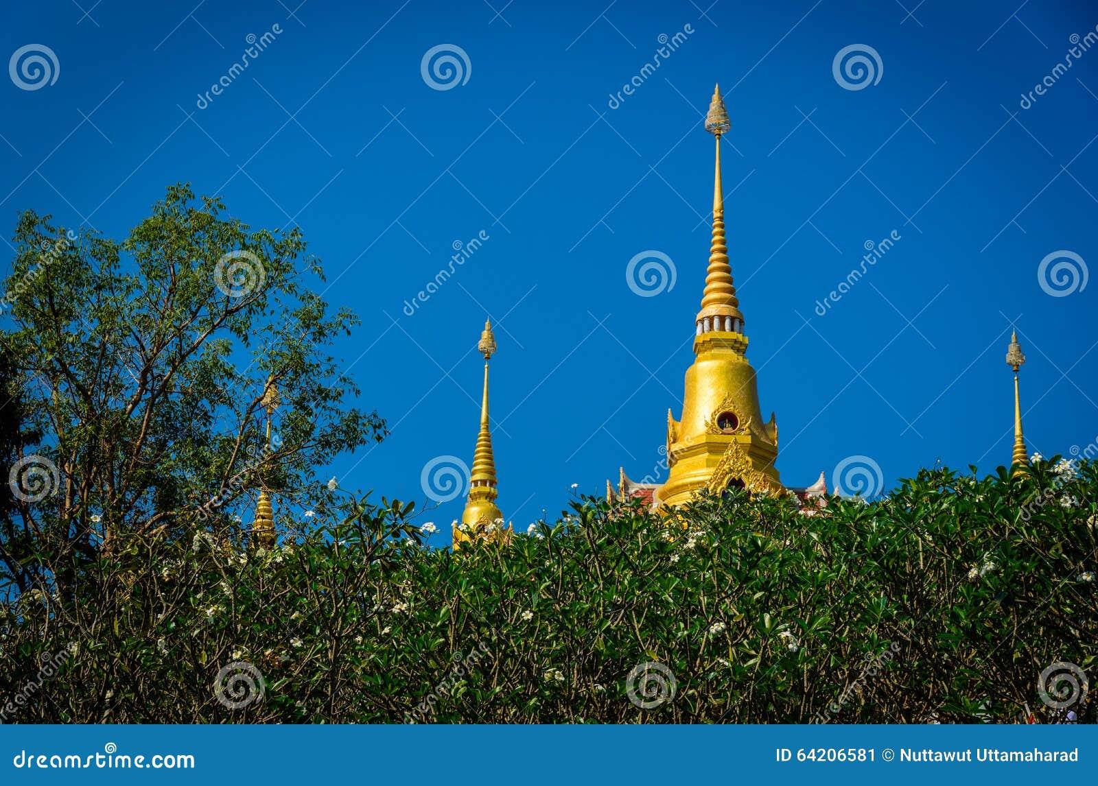 Templo tailandés hermoso en Huahin