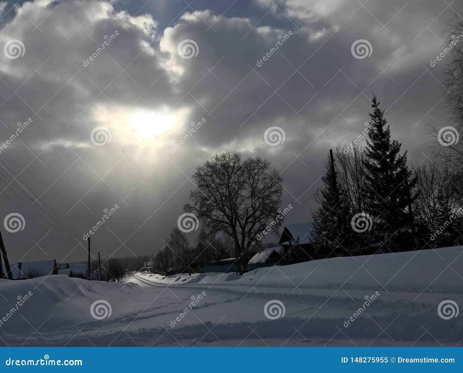 Tempo de inverno com um c?u maravilhoso