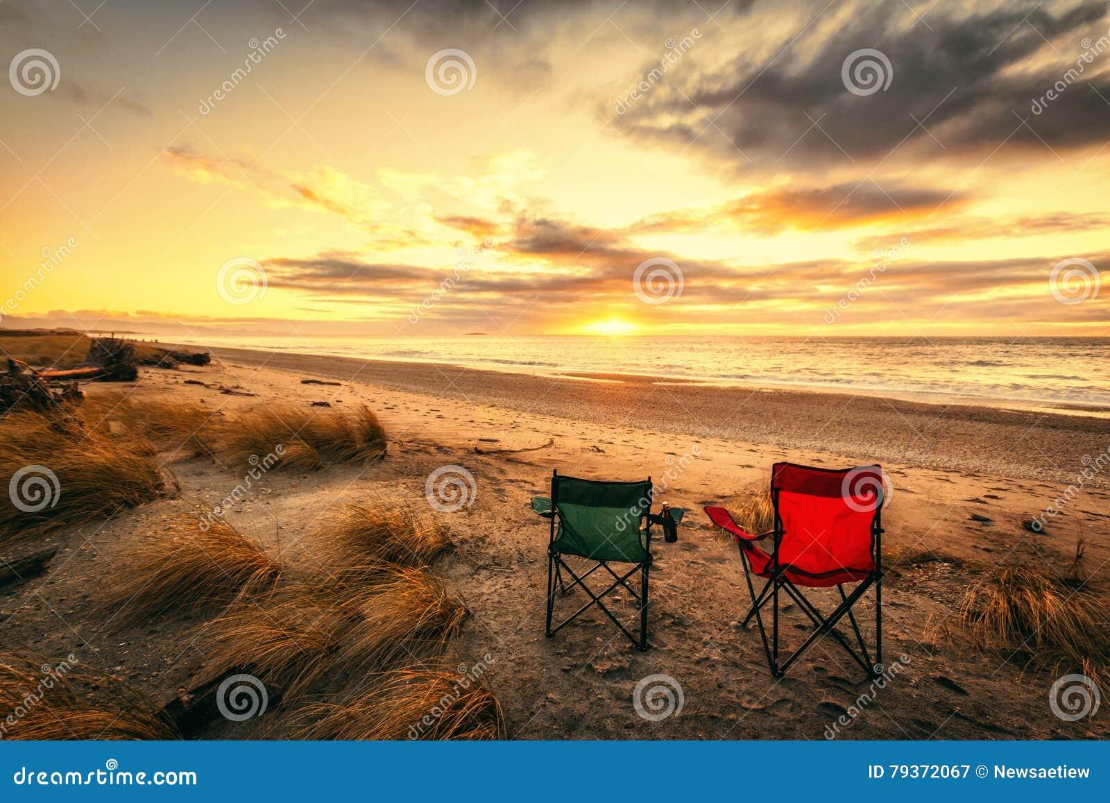 Tempo di vacanza alla spiaggia di haast nell 39 isola del sud - Alla colorazione della spiaggia ...