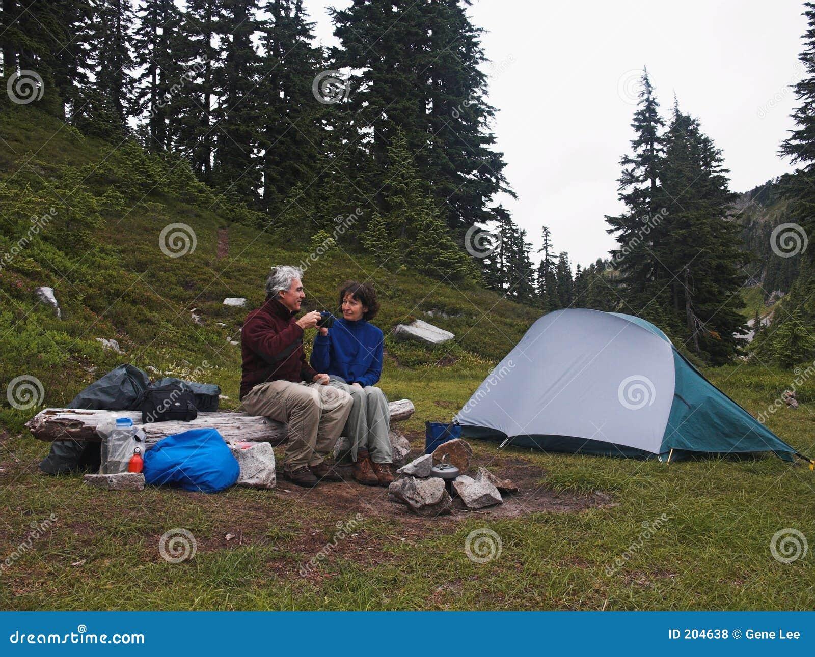Tempo do chá no acampamento