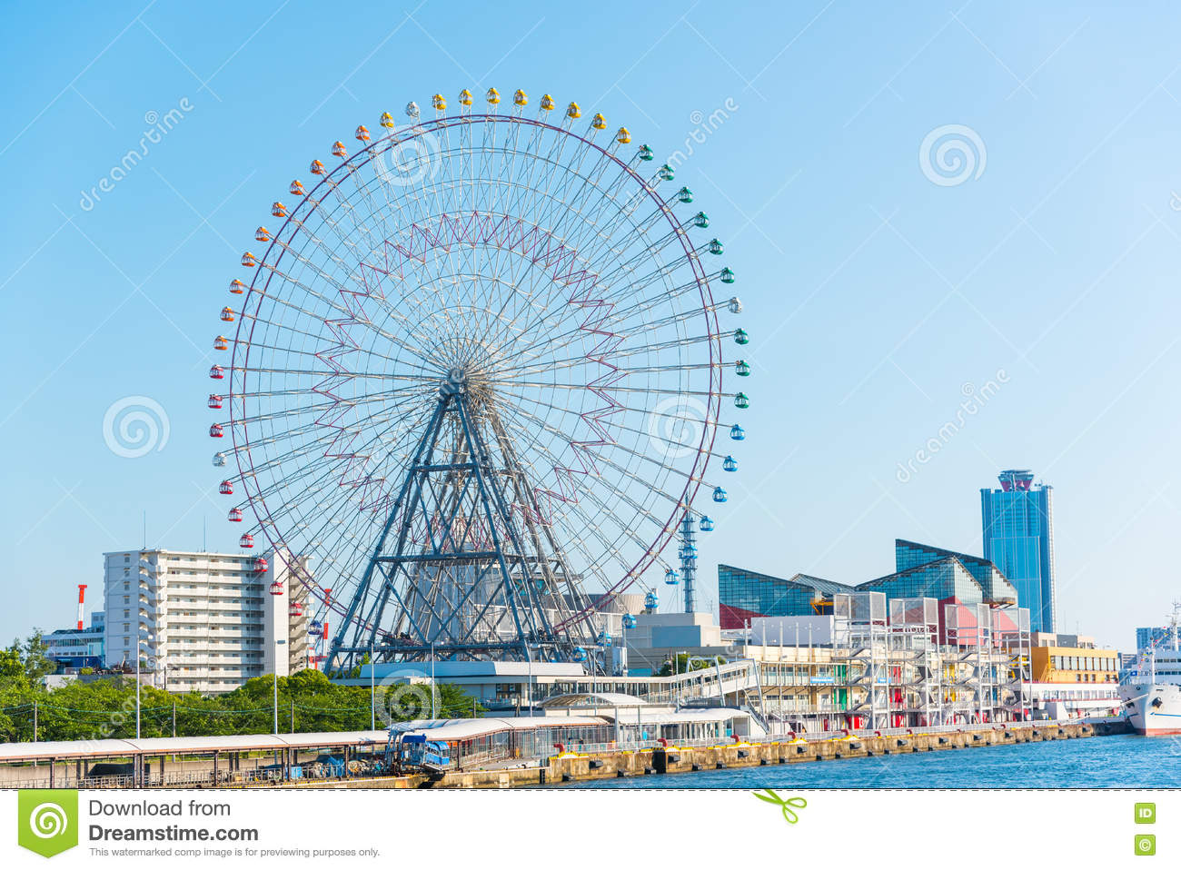 Tempozan Ferris wheel and Osaka Aquarium