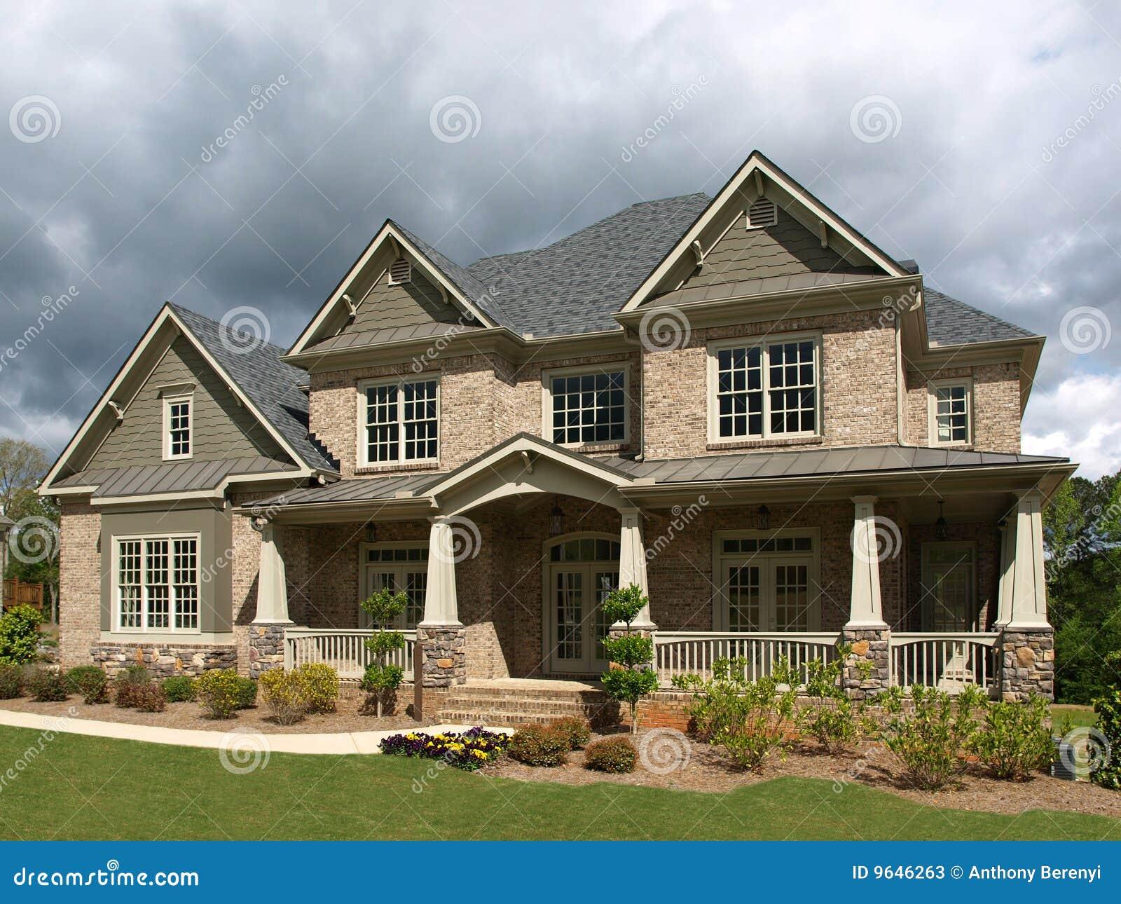 temps orageux ext rieur de luxe de maison mod le photos stock image 9646263. Black Bedroom Furniture Sets. Home Design Ideas