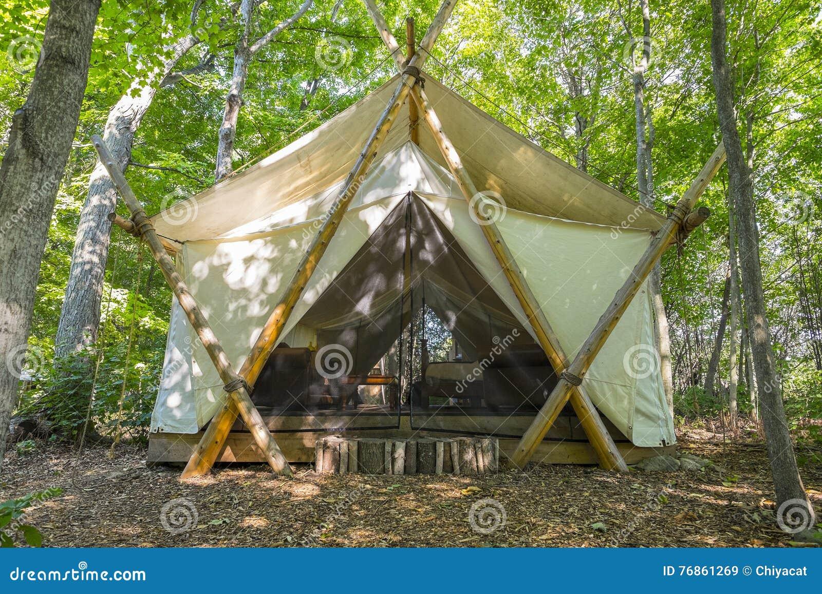Tenda doccia lusso la scelta giusta variata sul design for Design di bungalow di lusso
