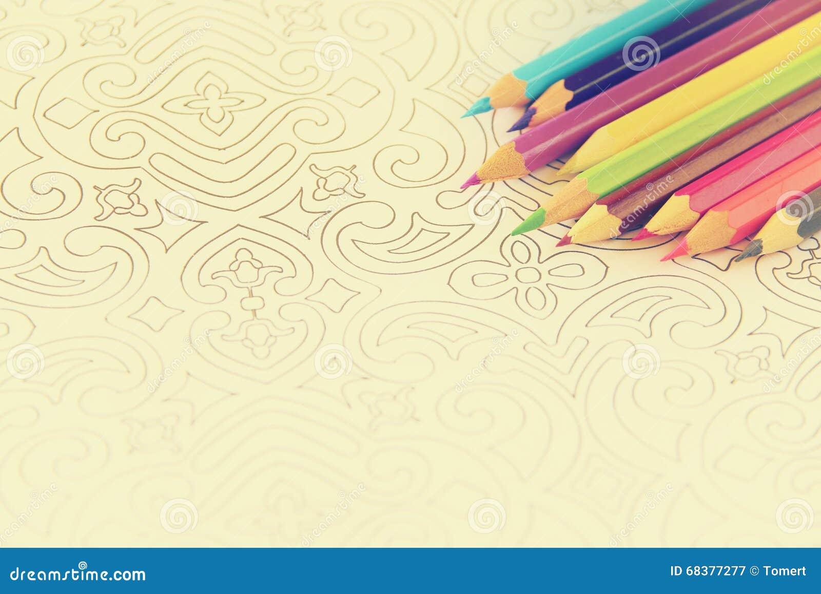 Tendencia Adulta Del Libro De Colorear Para El Alivio De Tensión