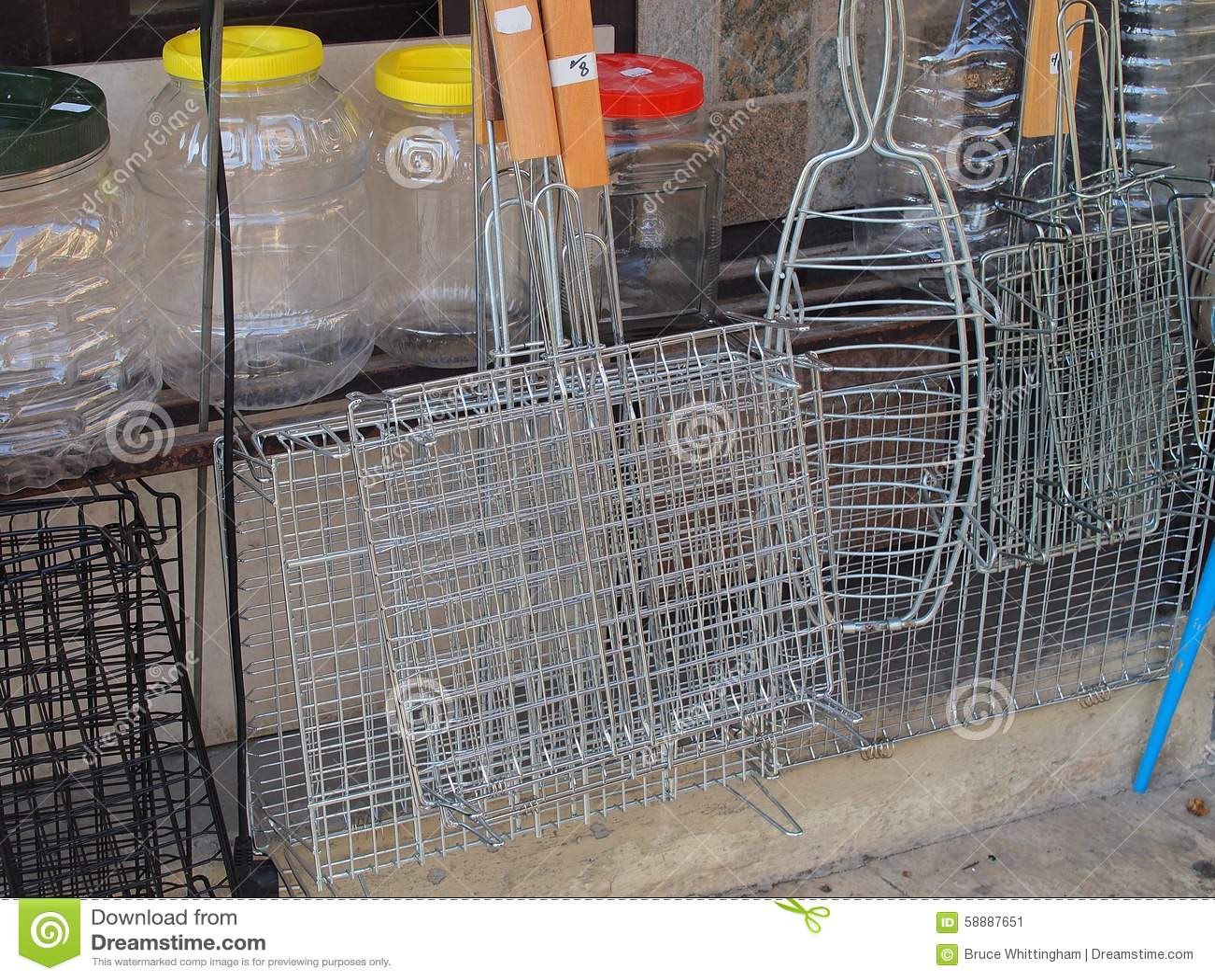 Tenedores del marco del alambre para asar a la parrilla la - Parrillas para asar ...