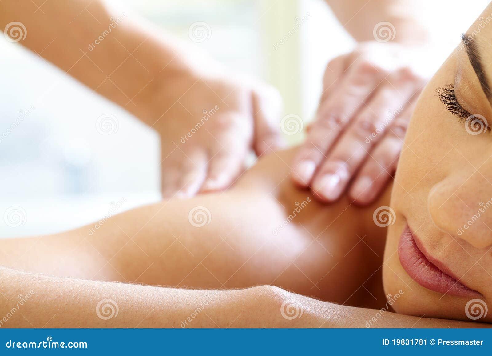 Tener masaje