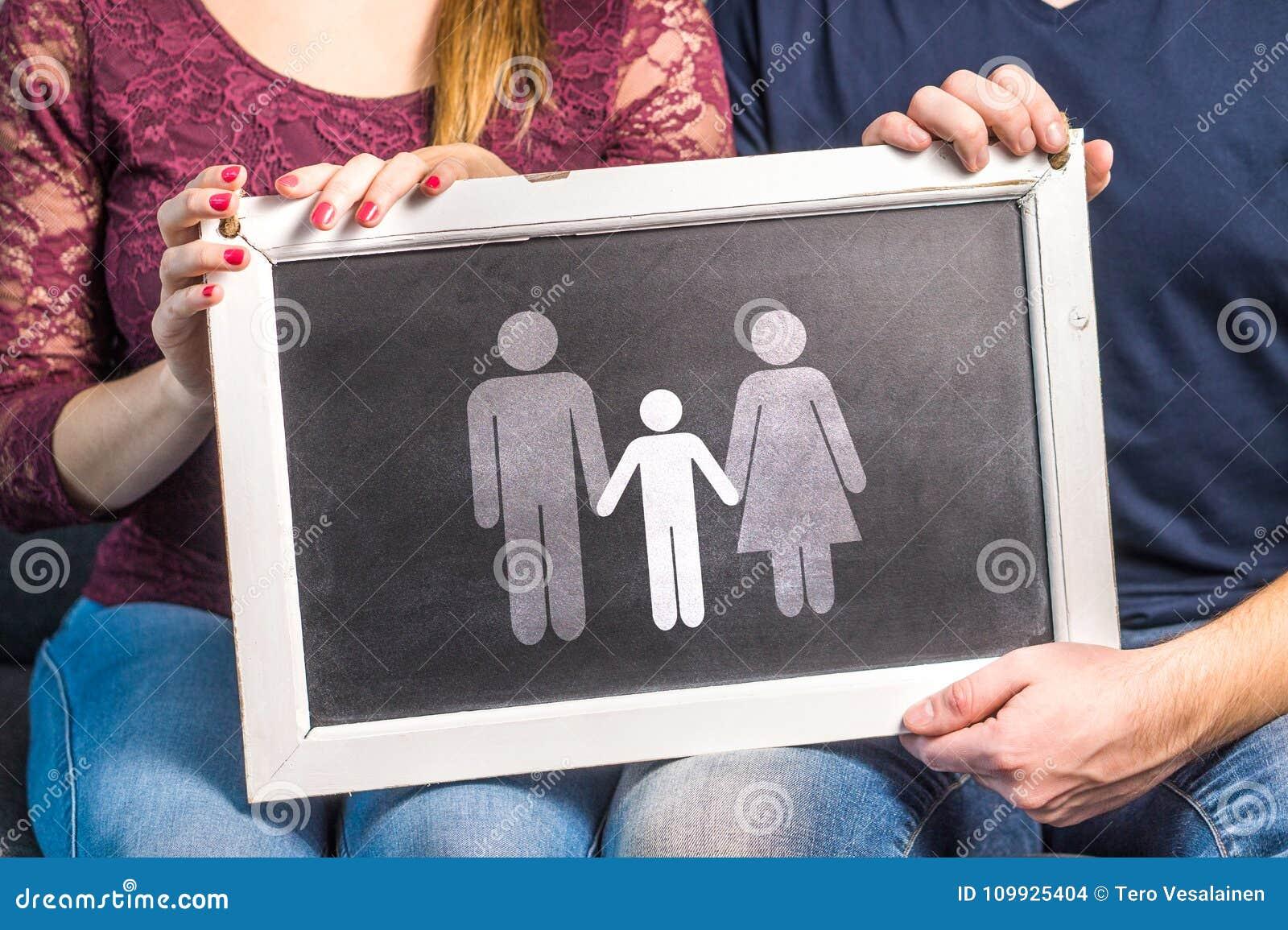 Teniendo niños, bebé de planificación, aumentando a niños, adopción,