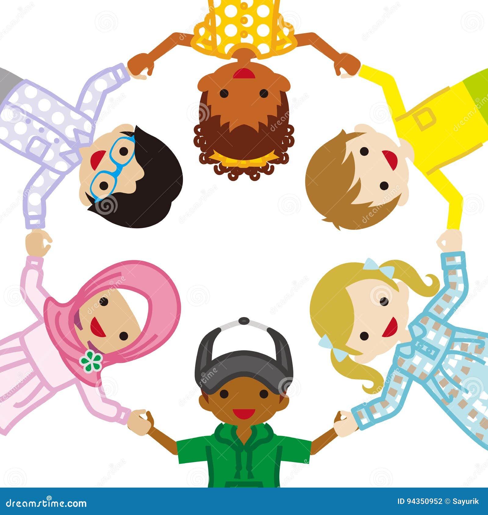 Tenir les enfants ethniques multi de mains, cercle