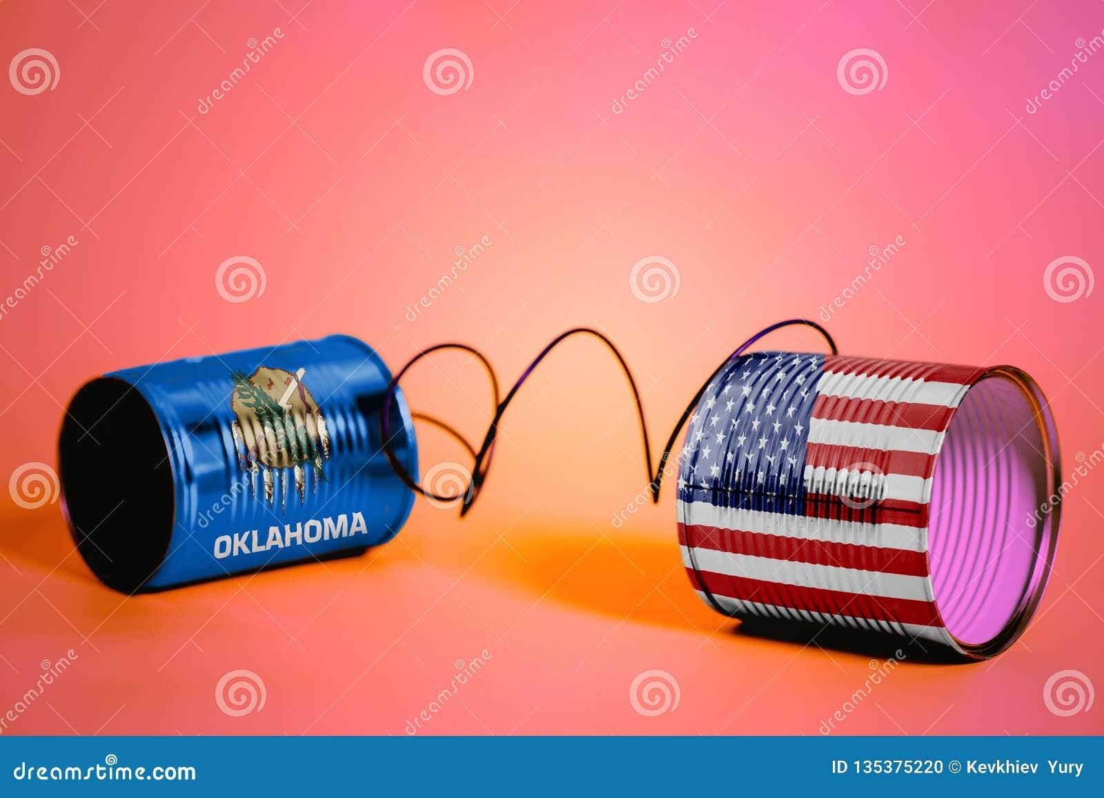 Tenn kan ringa med USA och Oklahoma USA tillståndsflaggor svart telefon för kommunikationsbegreppsmottagare