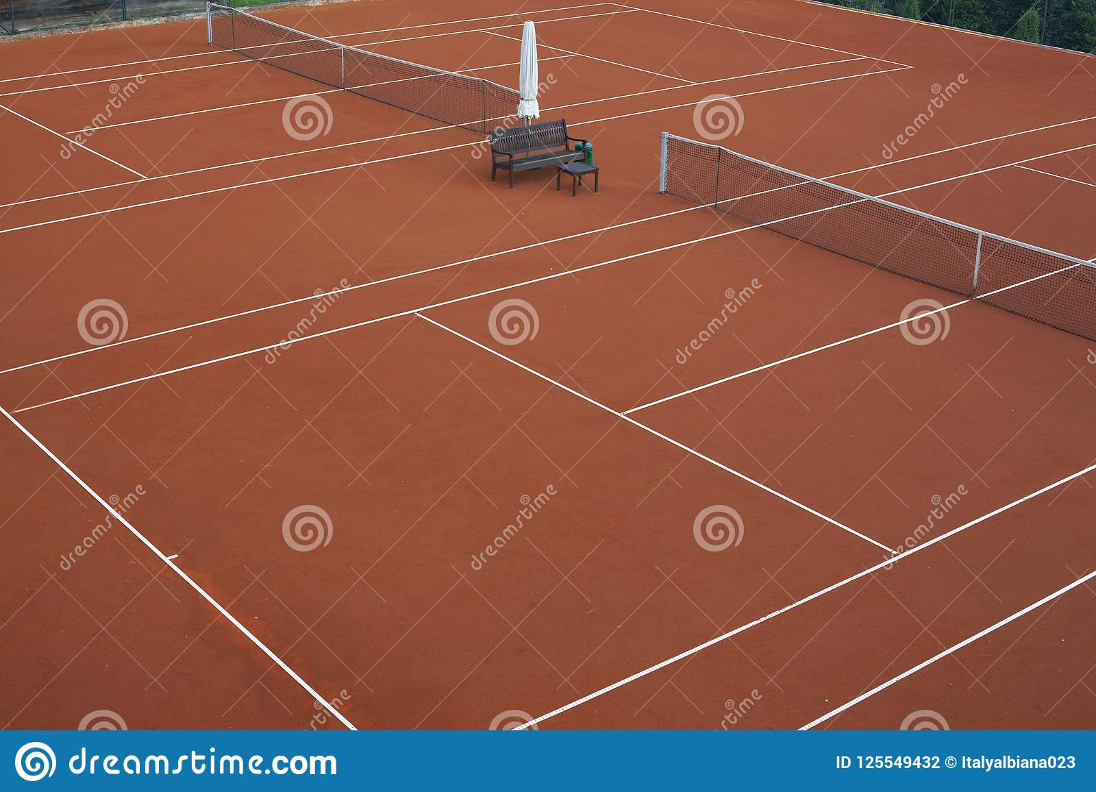 Tennis court for the preparation of athletes