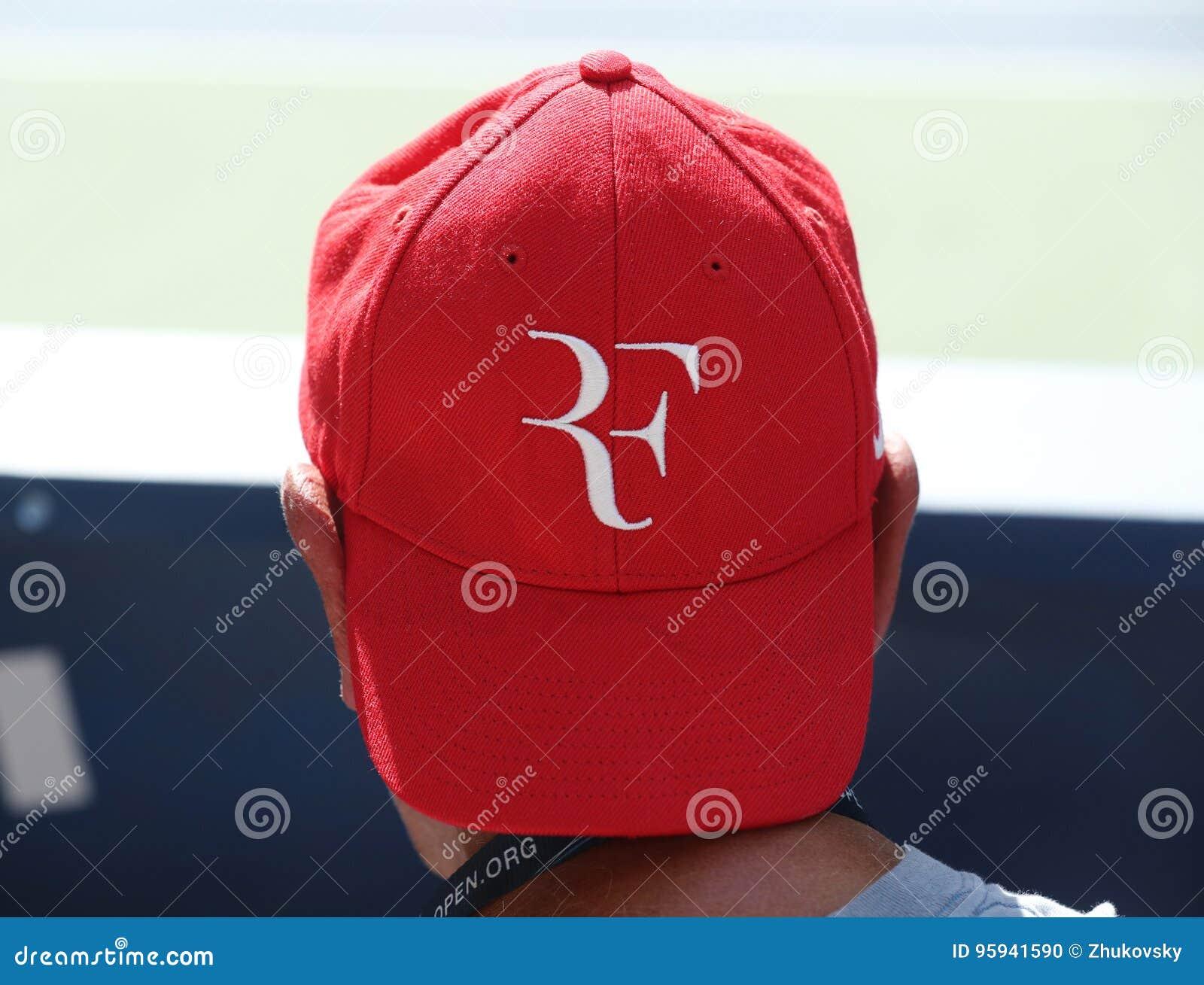 Tennis Fan Wears Roger Federer`s Hat During US Open 2016 Match ... 750469cc495c