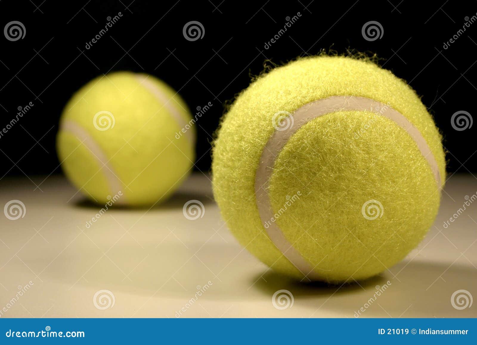Tennis-Kugeln III