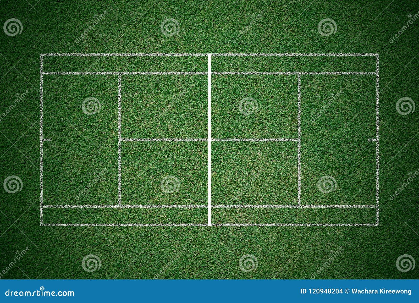 Tennisbaan, groen gras met witte lijn van hoogste mening
