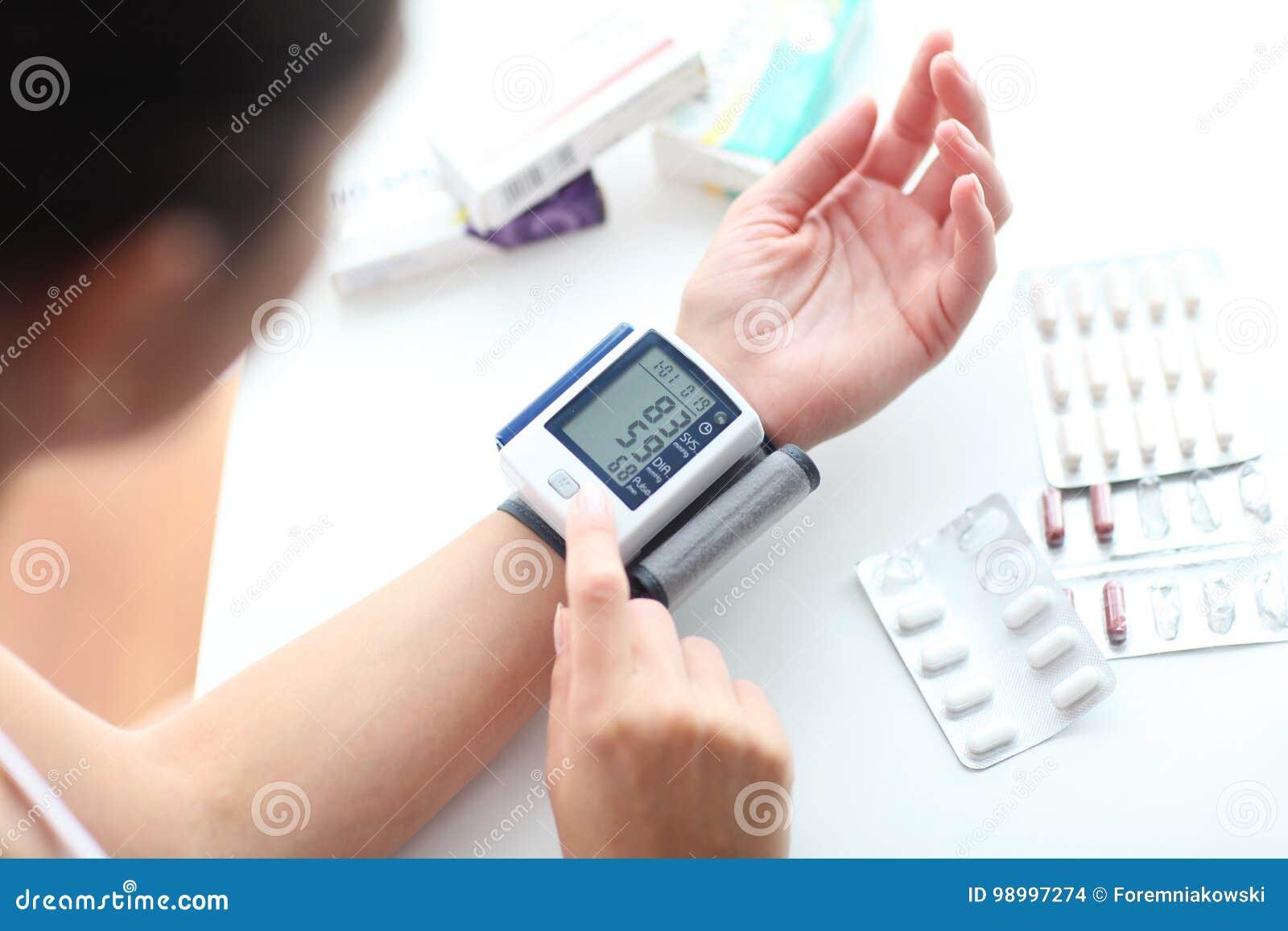 ¿Qué es la presión arterial baja en telugu?