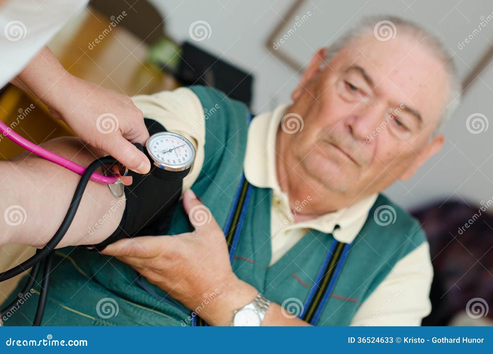 Tension artérielle d homme supérieur